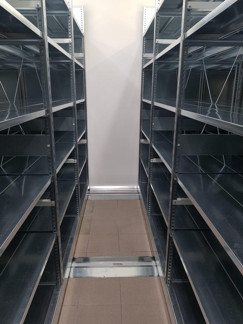 corridoio interno scaffalatura compattabile